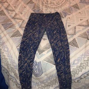 Lularoe comfy leggings